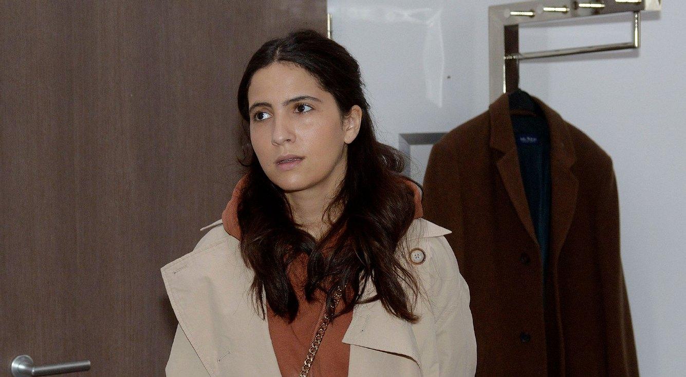 Laura (Chryssanthi Kavazi)