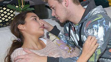 Erster Kuss zwischen Selma und Jonas!