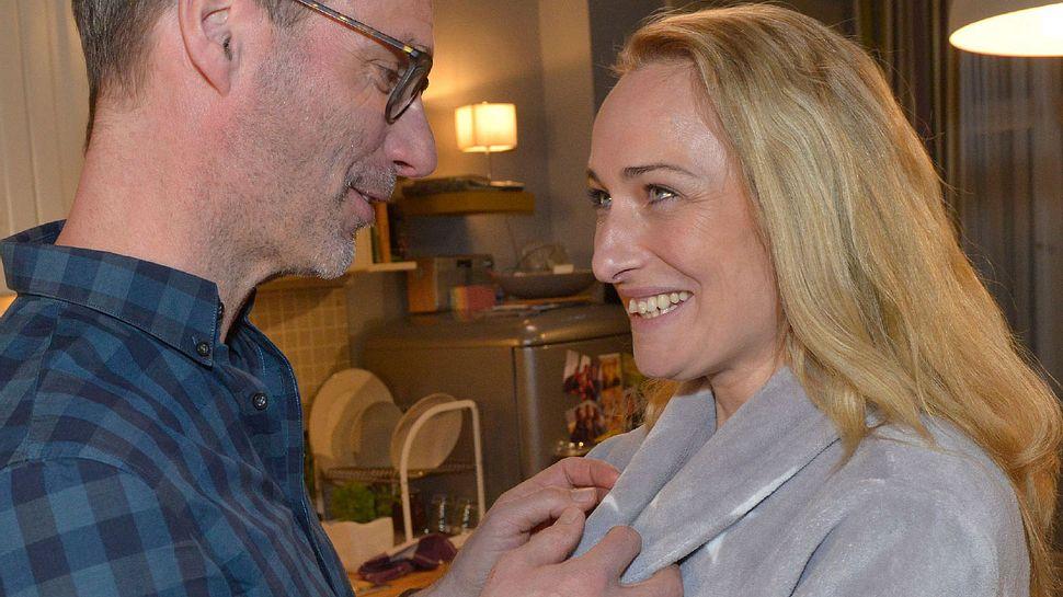 GZSZ-Vorschau: Beichtet Maren Alex die Schwangerschaft? - Foto: MG RTL D / Rolf Baumgartner