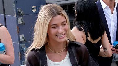 Hailey Bieber: Frisuren-Hammer! Ihre Haare sind ab! - Foto: Getty Images