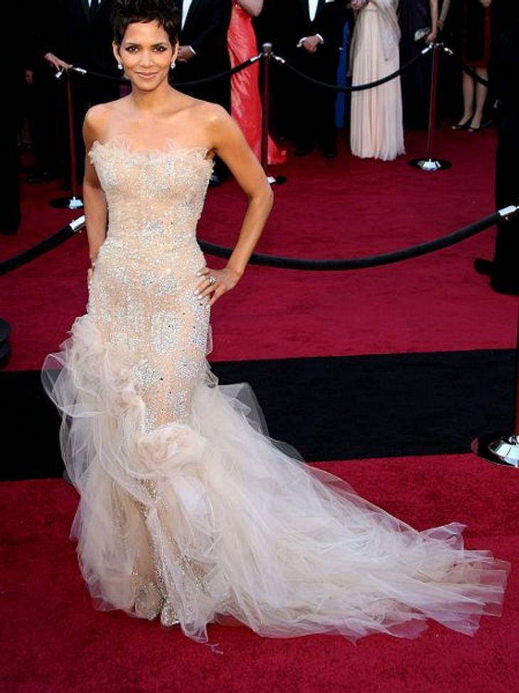Die Oscar-Verleihung: 200 MeterDer rote Teppich ist bei einem Ereignis wie der Oscar-Verleihung nach der Trophäe selbst wohl das Wichtigste. 200 Meter des geknüpften Stars jedes Promi-Events wurden allein 2011 vor dem Kodak Theatre in Los A