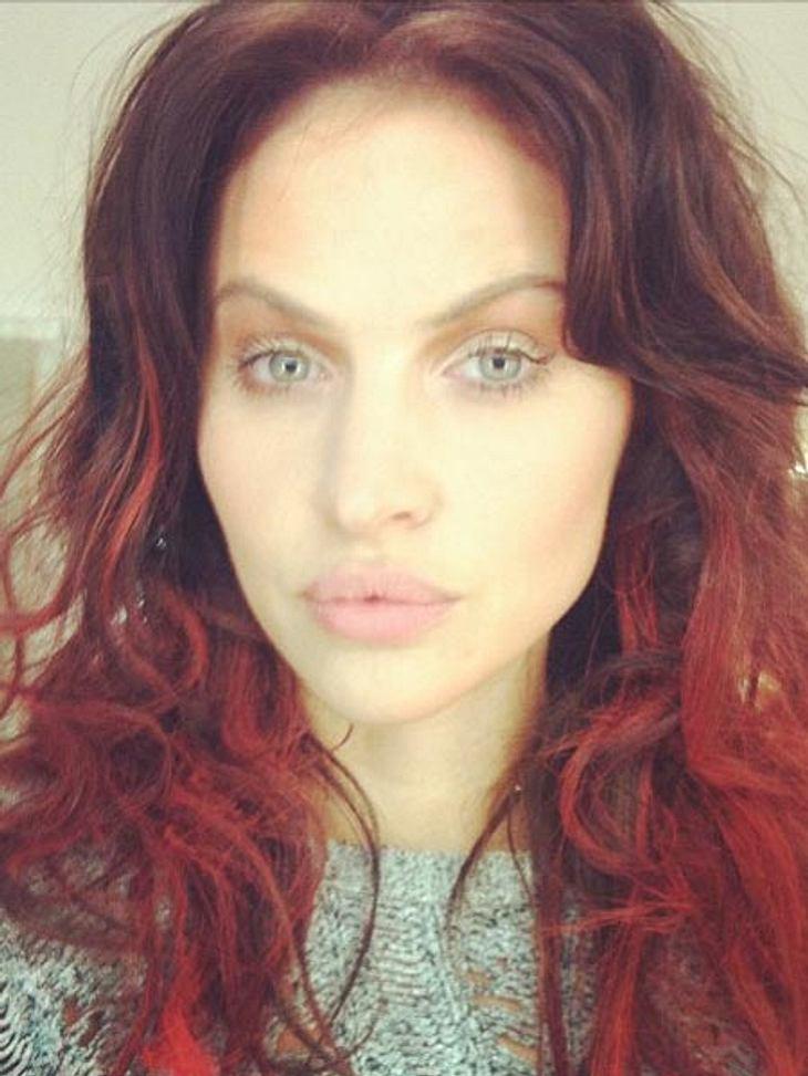 Hana Nitsche mit roten Haaren