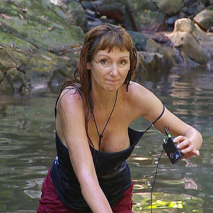 Linda Hogan nackt Fotos