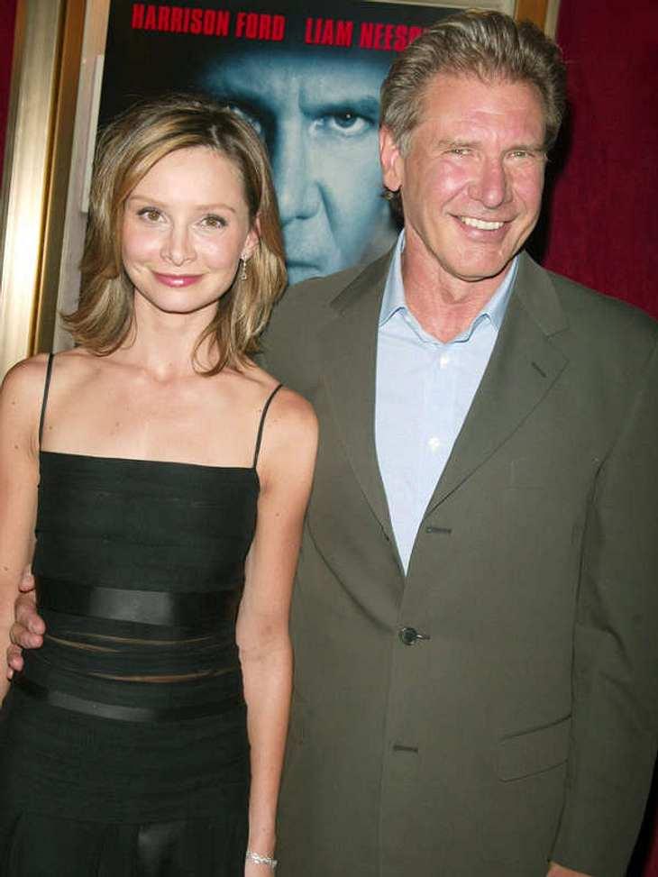 Prominente Paare mit großem AltersunterschiedNach langer Beziehung haben Harrison Ford (68) und Calista Flockhart (46) geheiratet. 2010 fand die Trauung in Santa Fe statt.Kleine Schöheitsfehler: Die Narben der Stars
