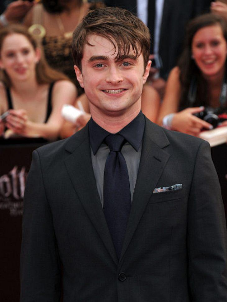 """10 Jahre """"Harry Potter""""Daniel Radcliffe hat derzeit ein geschätztes Vermögen von 26 Millionen Euro auf seinem Konto. Er ist deshalb, laut """"Forbes Magazine"""" einer der reichsten Jungschauspieler in Hollywood."""