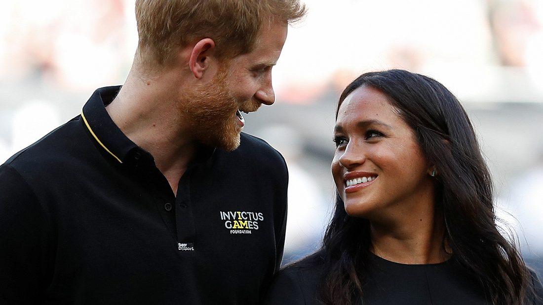 Herzogin Meghan & Prinz Harry: Verliebter Auftritt beim Baseball