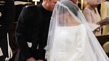 Vor dem Traualtar: Das flüsterte Harry seiner Meghan ins Ohr - Foto: Getty Images