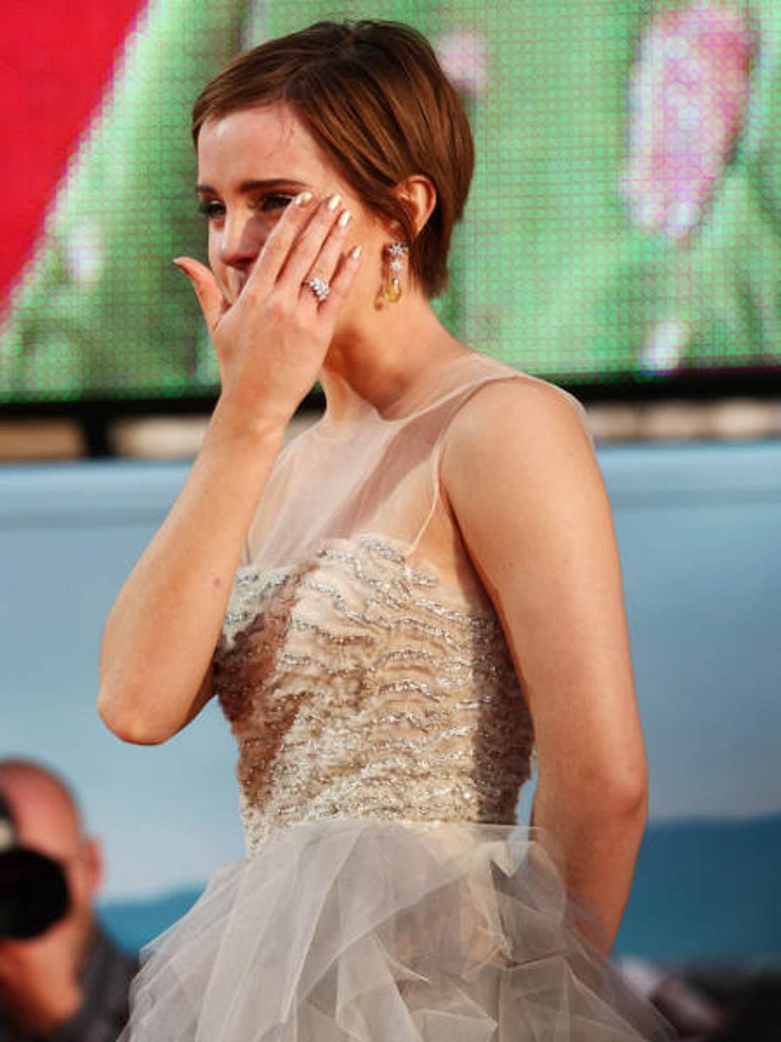 """Premiere von """"Harry Potter und die Heiligtümer des Todes - Teil 2"""" in London ,Zum Abschied vergoss Emma Watson noch einige Tränchen. Verständlich, immerhin war sie zehn Jahre lang damit beschäftigt """"Harry Potter"""" zu dreh"""