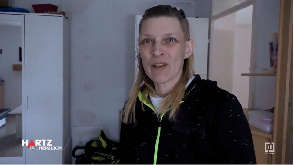 Christine bei Hartz und herzlich - Foto: TVNOW Screenshot