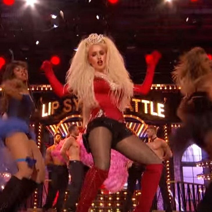 Hayden Panettiere performt als Christina Aguilera