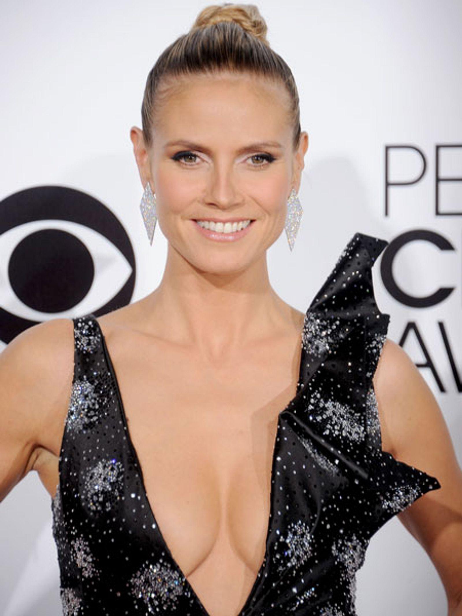 Heidi Klum zeigt mal wieder ihre Brüste   InTouch