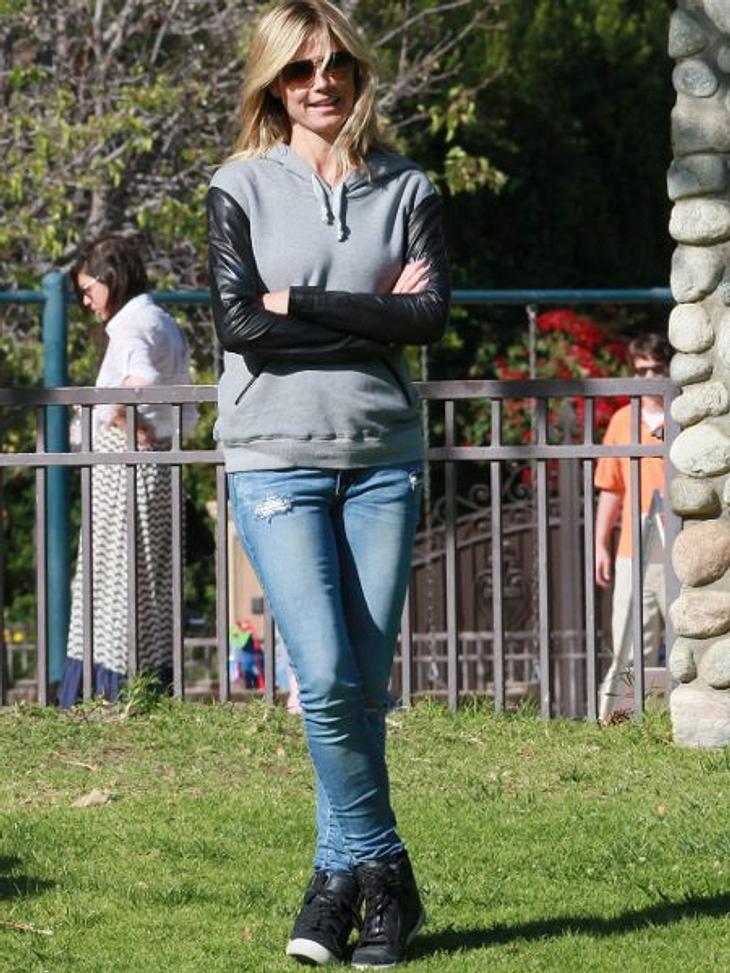Heidi Klum: Vom Topmodel zum ModemuffelHoddie, Jeans und Turnschuhe: Klingt irgendwie nicht wie Heidi Klum - sieht aber so aus.