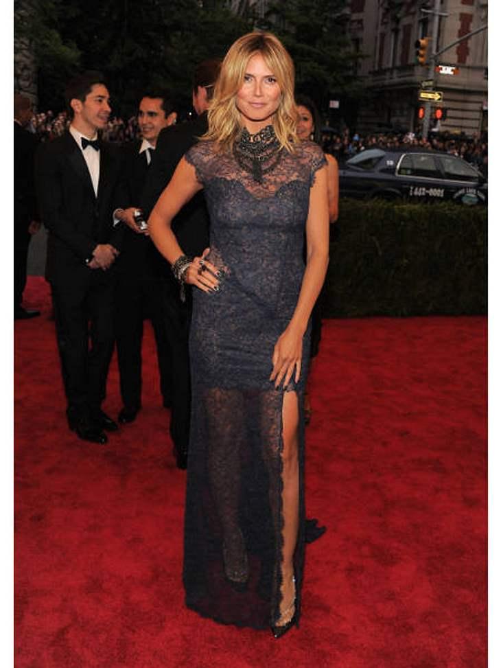 Met-Gala 2012: Die spektakulärsten Kleider des AbendsKlassisch, elegant, sexy: Heidi Klum (38, in Escada) weiß einfach, wie man sich für den roten Teppich stylt.