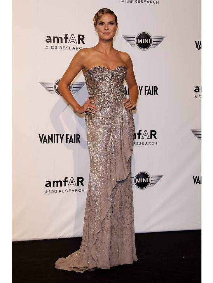 Pailletten-Abendkleider: Auch Heidi Klum steht wie jede Frau auf Bling-bling. Ihre Abendrobe ist der Hingucker auf jeder Party.