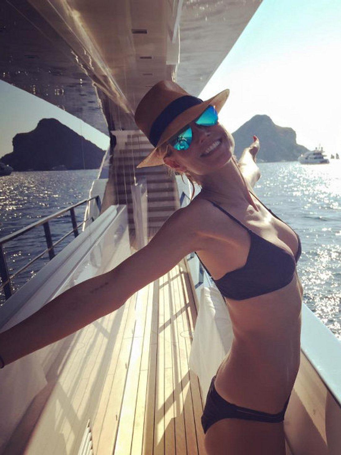 Heidi Klum im Urlaub vor Südfrankreich