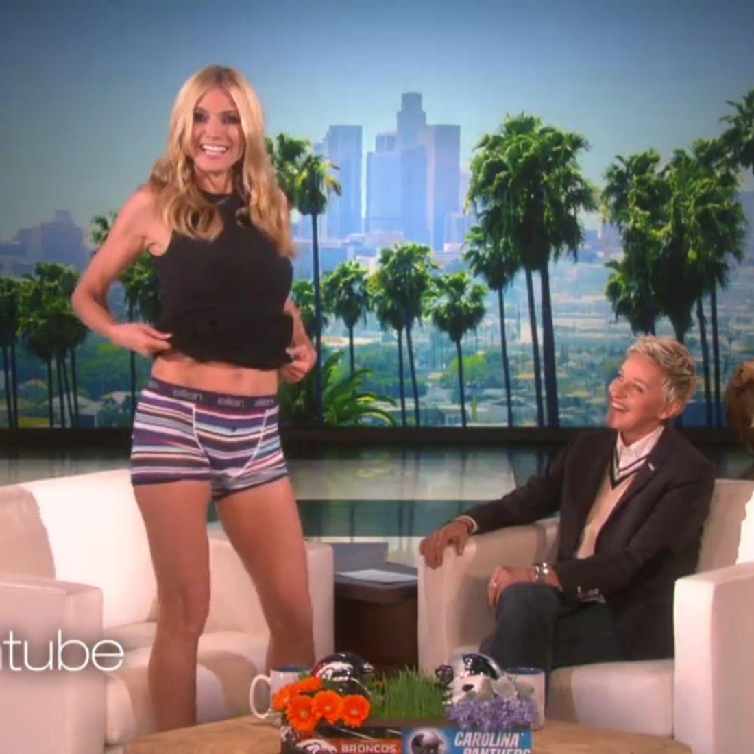 Heidi Klum präsentiert ihre Unterwäsche
