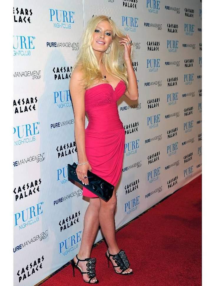 Stars im Beauty-WahnBeauty-Wahn hat auch einen konkreten Namen:  Heidi Montag. Mit zehn Schönheits-OPs auf einmal schießt sie den Vogel ab.
