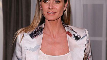 So mies führt Heidi Klum ihr Curvy Model Sarah vor