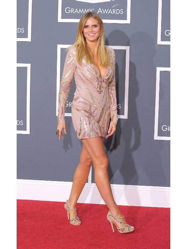 """Die Luxus-Versicherungen der StarsBeine 1,5 Millionen EuroAuch das gibt es! Weil Heidi Klums (38) linkes Bein eine kleine Narbe ziert, ist es nicht ganz so hoch versichert wie ihr rechtes. """"Ich bin mal auf ein Glas gefallen"""", verr"""