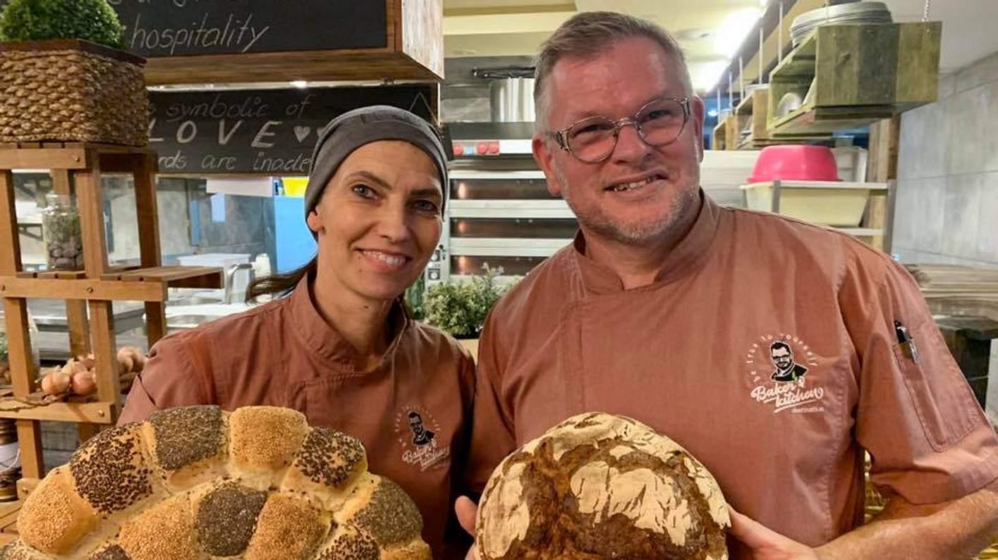 Heike und Sven Mostegl in ihrer Baker's Kitchen in Dubai