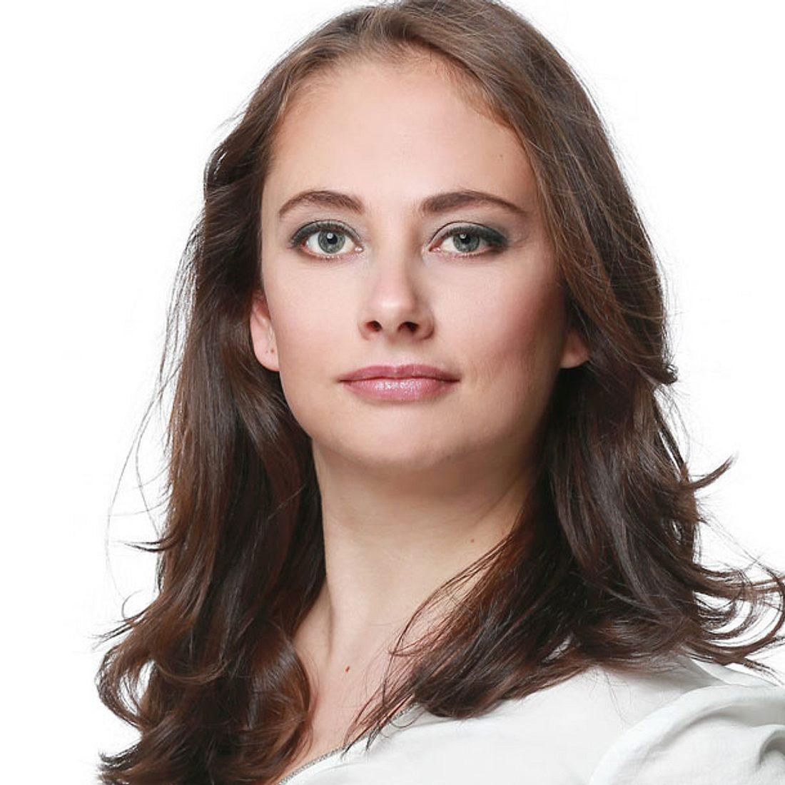 Heike Warmuth spielt Carmen Bauer bei AWZ