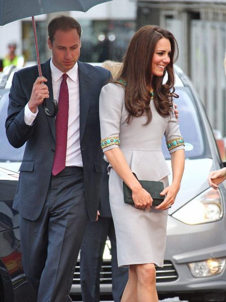 Magere StarsDie Arme dünn wie Streichhölzer, die zarte Taille kann man fast mit zwei Händen umschließen. Wenn Prinz William (29) seine Frau in den Arm nimmt, fühlt er sich in letzter Zeit zunehmend bedrückt und hilflos. Denn bei einer Größe