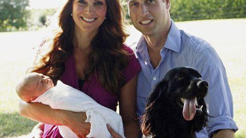 Und alle schön lächeln: Das erste Familienporträt von George, Catherine und William stammt von Opa Michael Middleton. - Foto: GettyImages