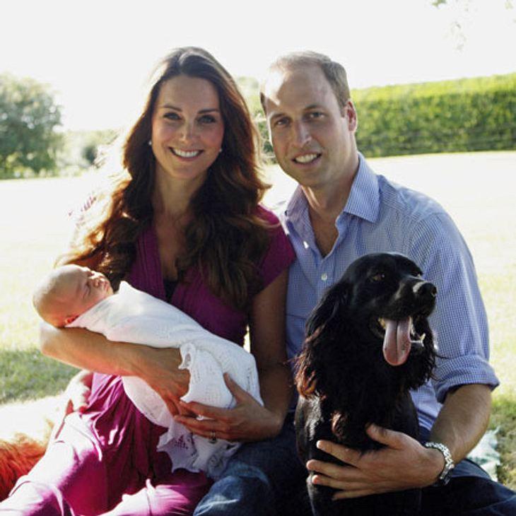 Und alle schön lächeln: Das erste Familienporträt von George, Catherine und William stammt von Opa Michael Middleton.
