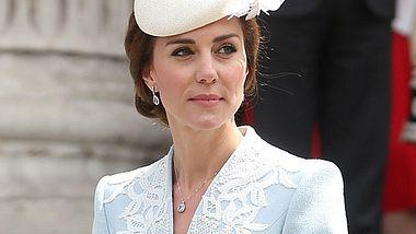 Herzogin Kate - Kniefrei beim Queen Geburtstag - Foto: getty