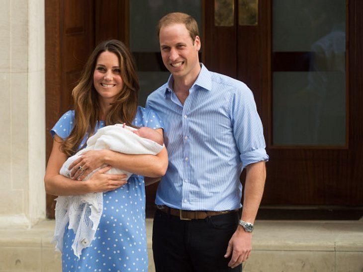 Auch Kate zeigte sich im Pünktchenkleid.