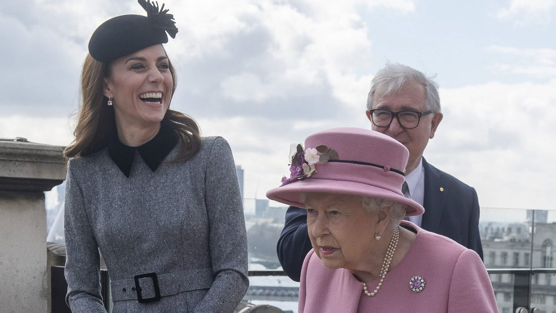 Herzogin Kate Queen Elizabeth