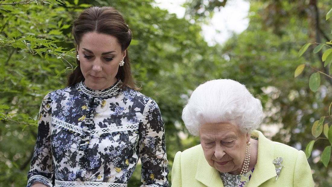 Herzogin Kate: DIESE Schuhe gefallen der Queen überhaupt nicht!