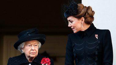 Dieses Outfit gefällt der Queen überhaupt nicht!