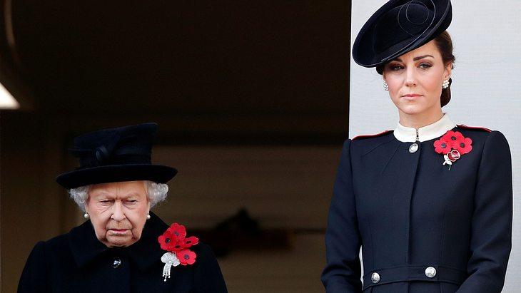 Herzogin Kate und Queen Elizabteh II.