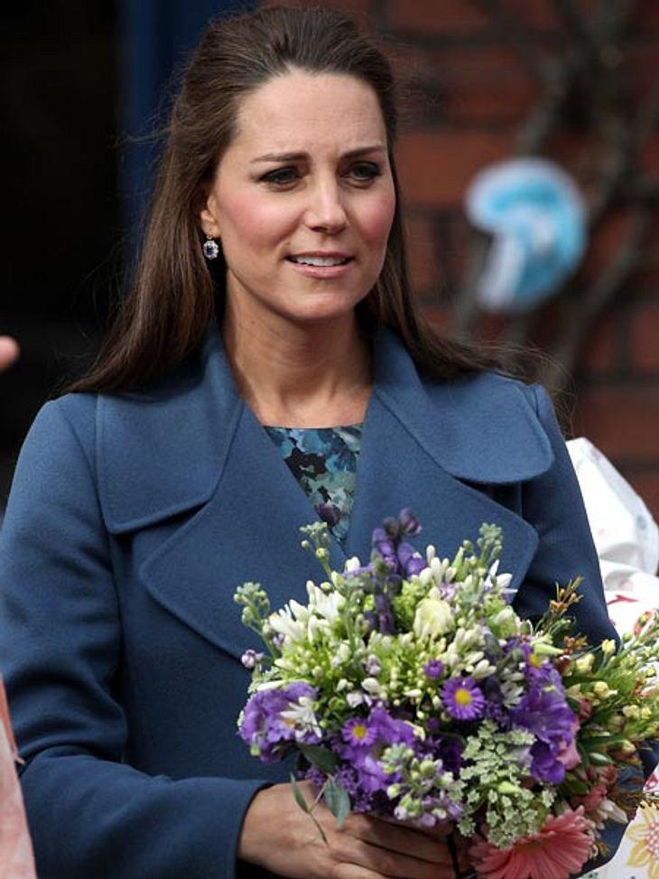 Musste Herzogin Kate mit Wehen in die Klinik gebracht werden?