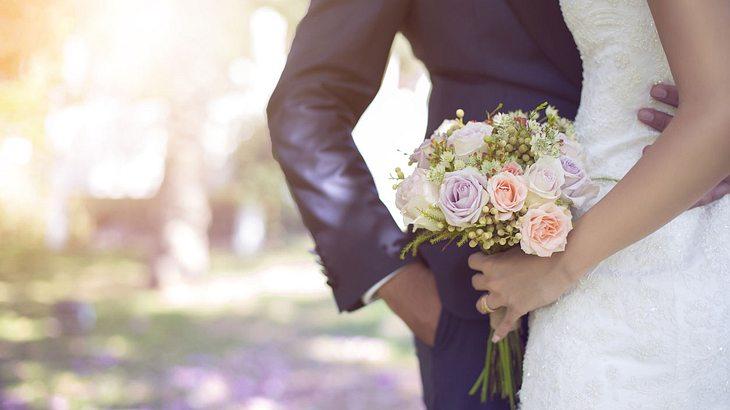 Paar stirbt nur zwei Stunden nach Hochzeit