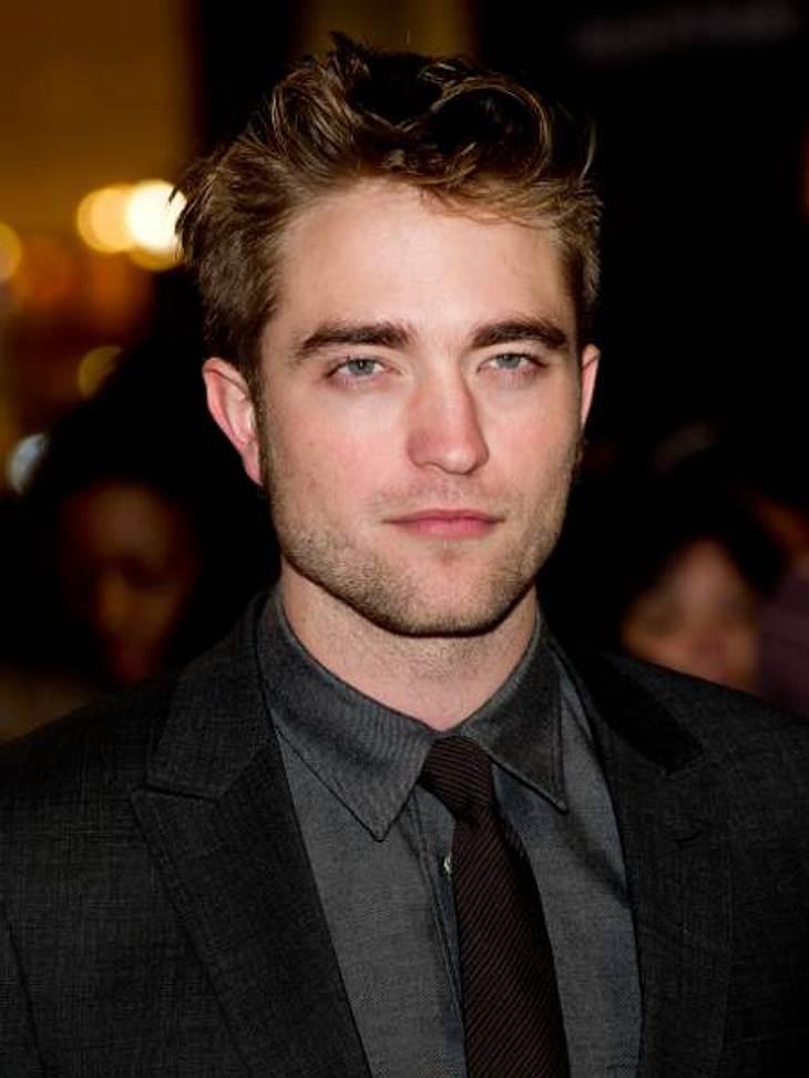 """Diese Newcomer schicken die Oldies in Hollywood-RenteIm neuen Aktion-Thriller """"Cosmopolis"""" (2012) zeigt sich der Brite Robert Pattinson (25) von seiner knallharten Seite als New Yorker Geschäftsmann. Obwohl der """"Twilight&quot"""