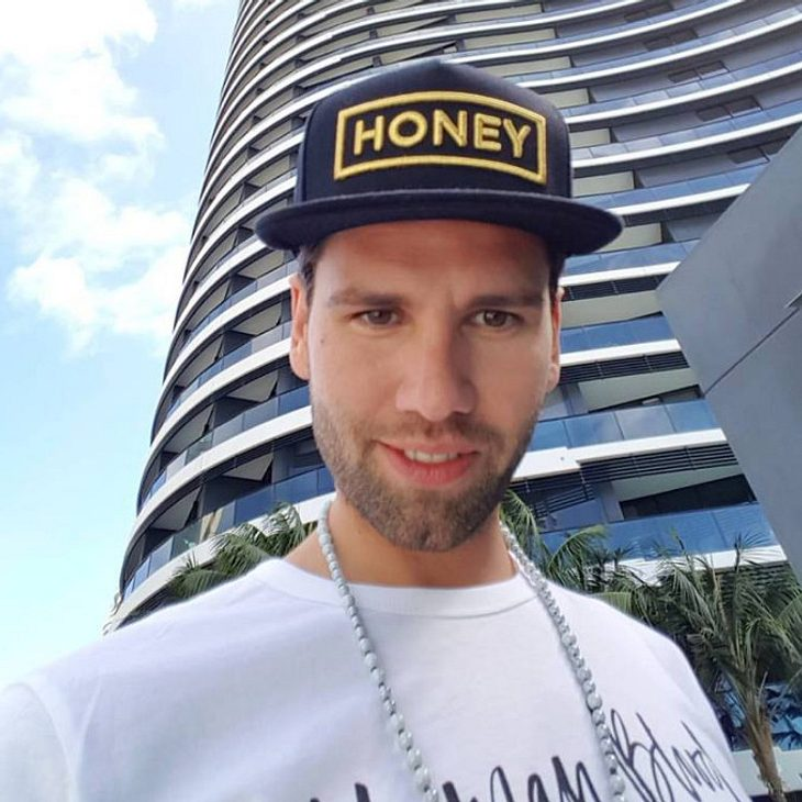 """Honey """"bedankt"""" sich bei Florian Wess"""