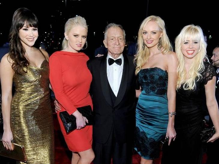 Schöne Frauen in jedem Arm: So sieht sich Hugh Hefner am liebsten