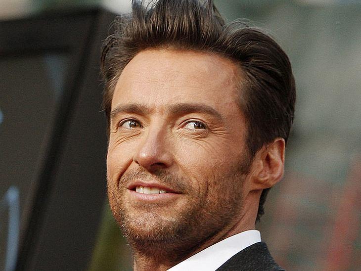 """Als während der Aufführung seines Broadway-Stücks """"A Steady Rain"""" ein Zuschauer-Telefon klingelte, fackelte Hugh Jackman nicht lange, dem Störenfried seine Meinung zu geigen... Hugh Jackman: Leg dich nicht mit Wolverine an!"""