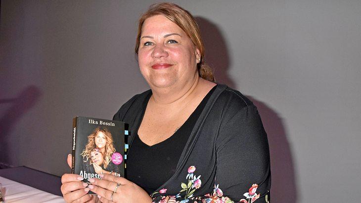 """Ilka Bessin mit ihrem Buch """"Abgeschminkt"""""""