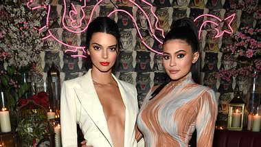 Kendall und Kylie Jenner - Foto: Getty Images