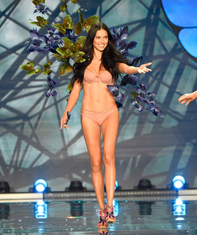 Adriana Lima auf dem 'Victoria's Secret' Laufsteg
