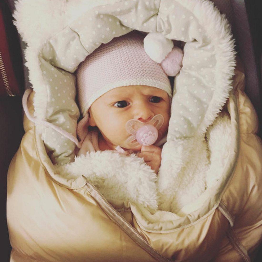 Alexander und Angelina Posths Tochter Penelope Karin