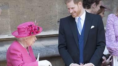 Queen und Harry - Foto: imago images / i Images