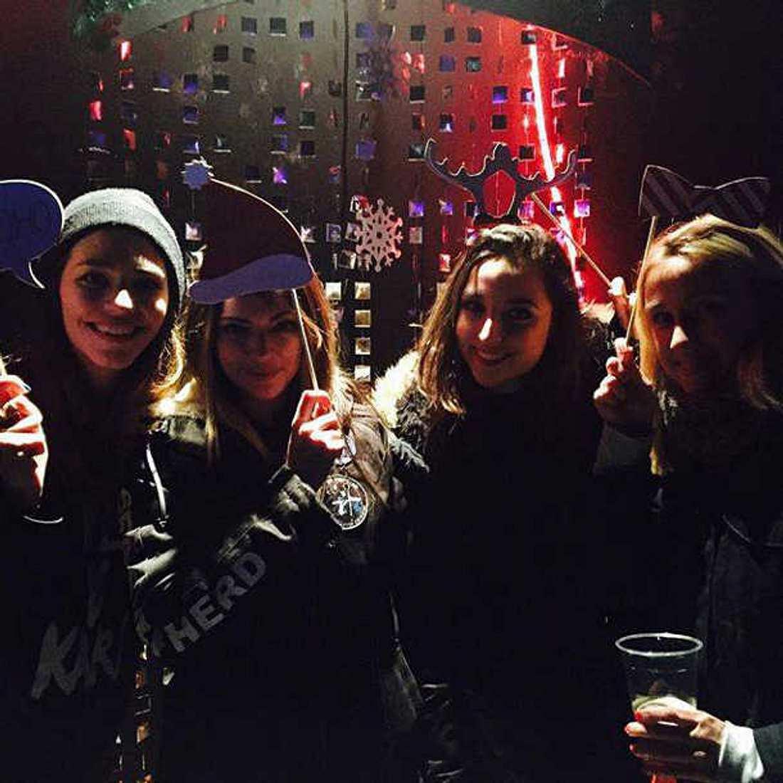 Anne Menden und ihre Kollegen auf der GZSZ-Weihnachtsfeier