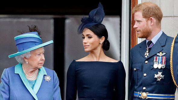 Die Queen verlangt seine Rückkehr - alleine!