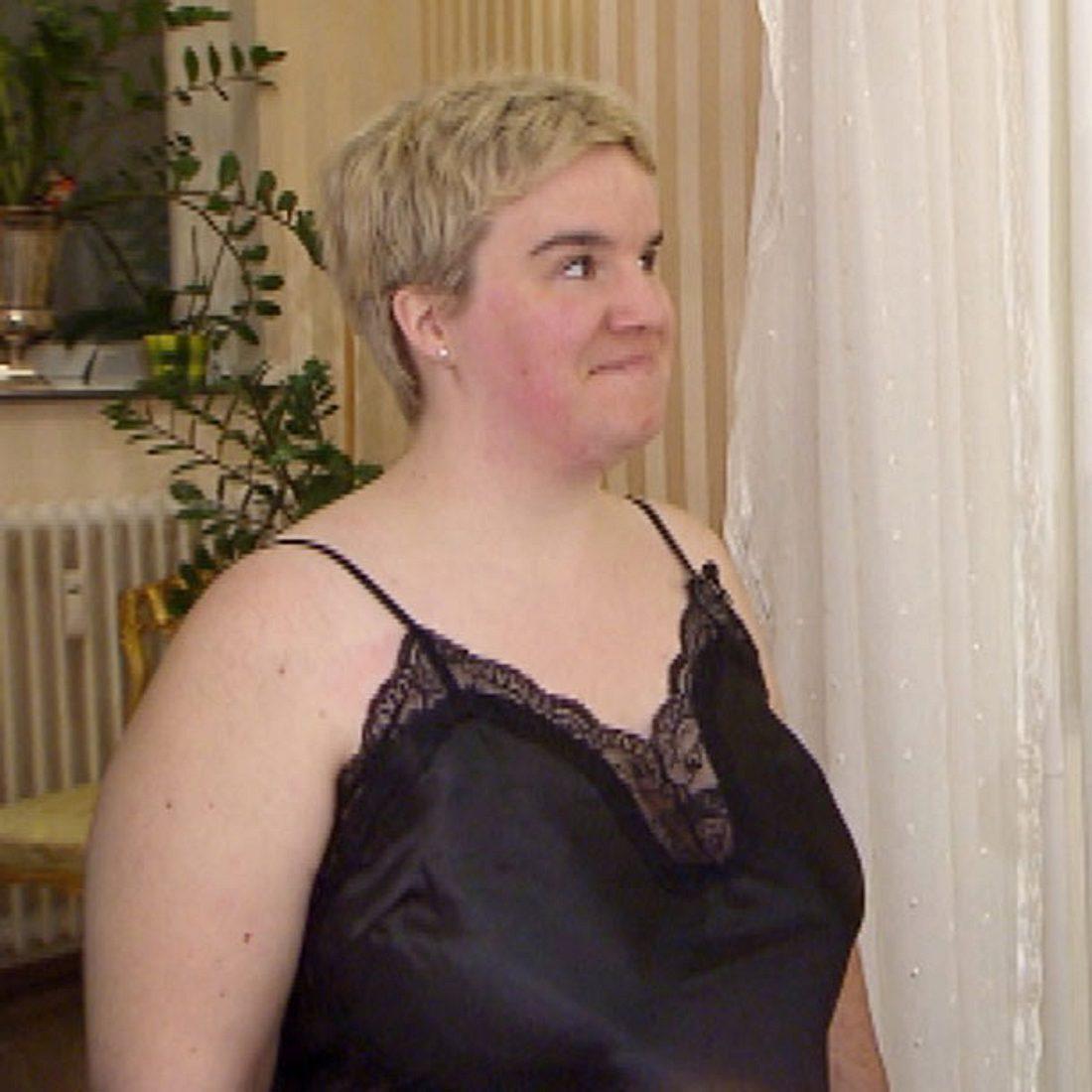 Schwiegertochter gesucht: Beate zeigt sich in sexy Dessous