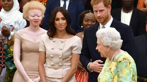 Queen Meghan und Harry - Foto: imago images / Starface