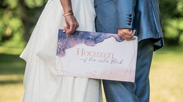 Hochzeit auf den ersten Blick: Erste Krise bei Emily und Robert? - Foto:  SAT.1/Christoph Assmann